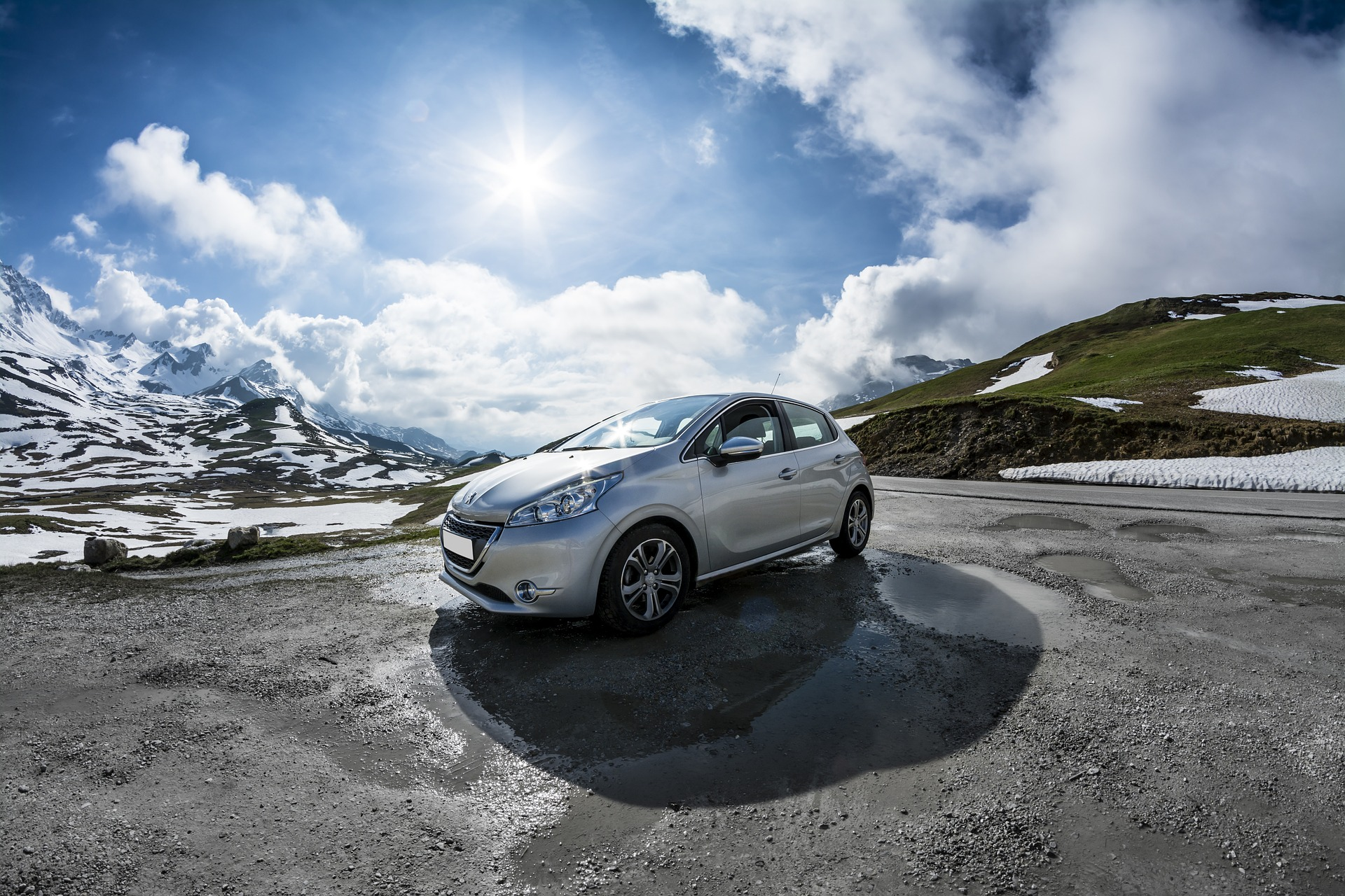 Торги акциями объединения Peugeot и Fiat Chrysler стартуют 18 января
