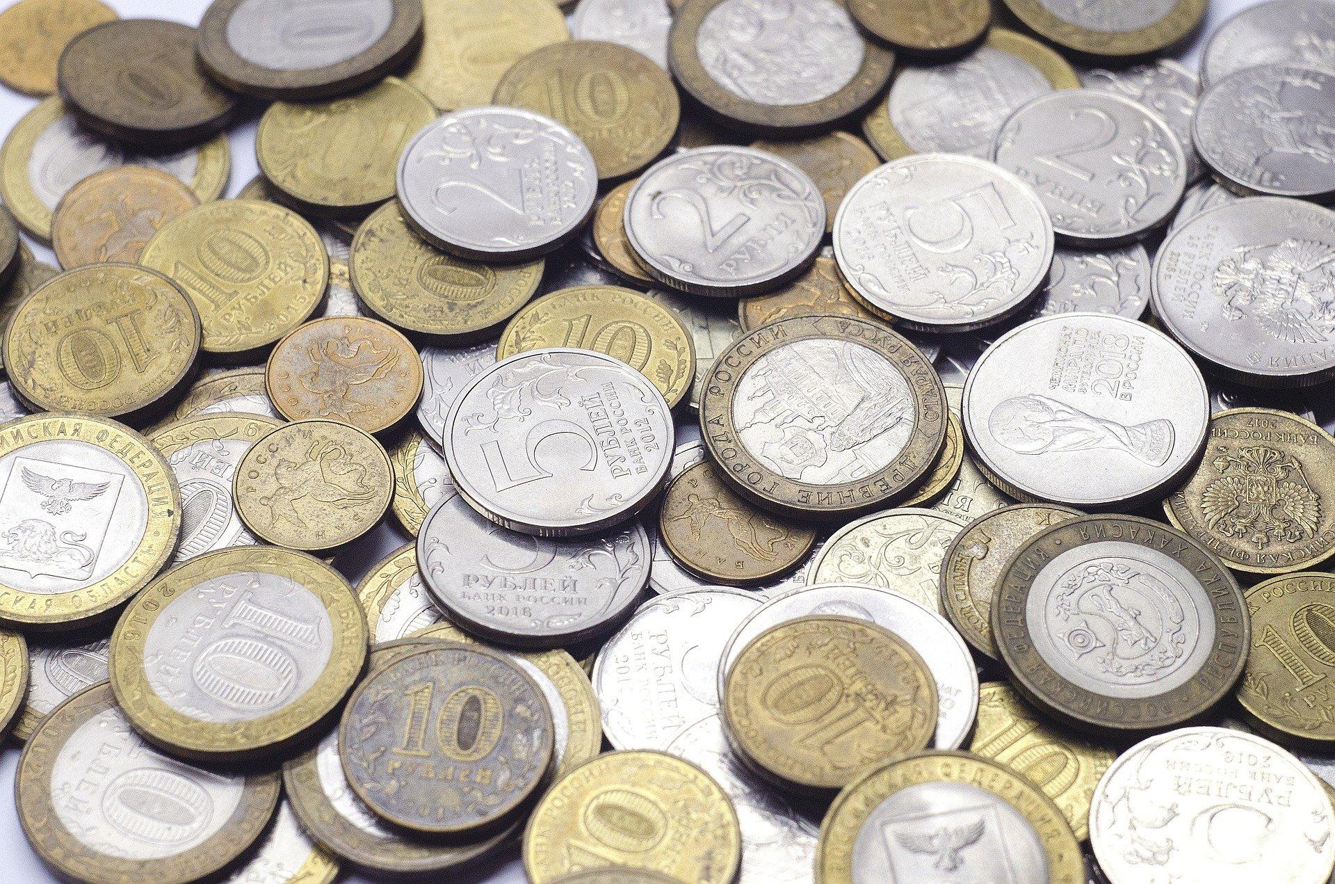 Курс доллара может выйти на 100 рублей к осени