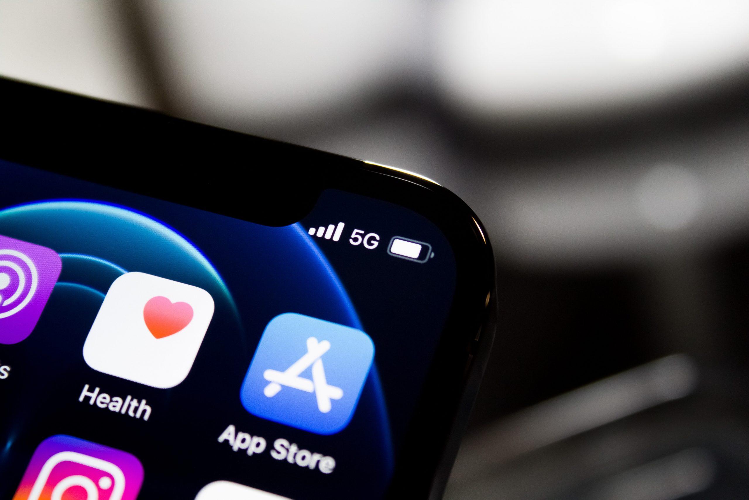Илон Маск раскритиковал Apple