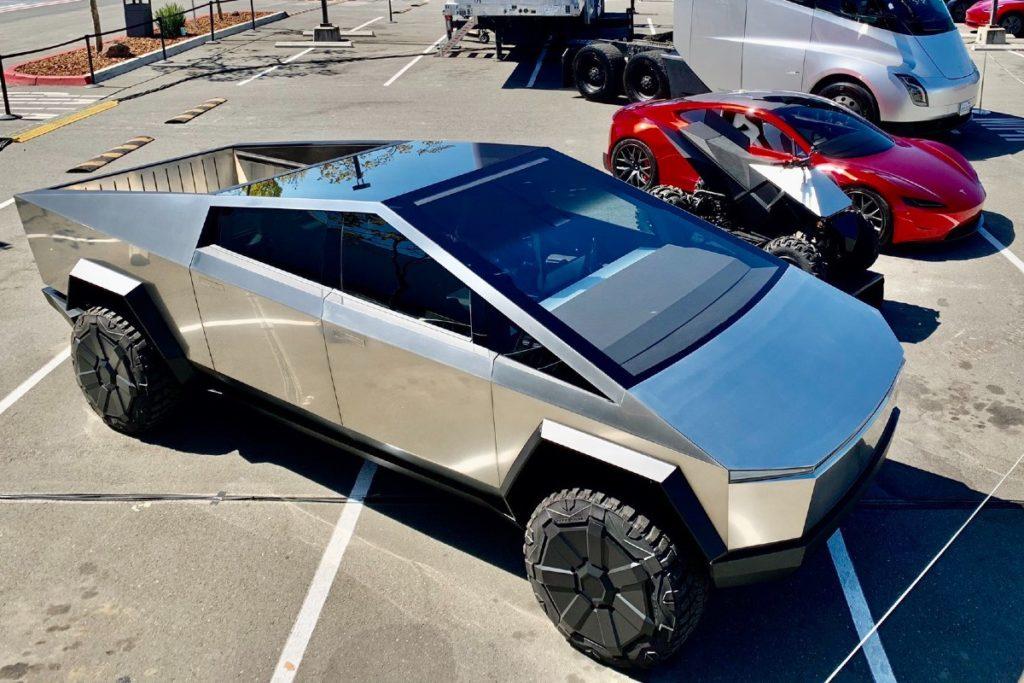 Запуск Tesla Cybertruck перенесен на 2022 год